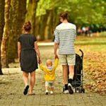 歩き始めは何歳?手をつながない子におすすめ!